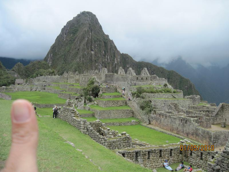 Thumbs_up_for_the_Incas_